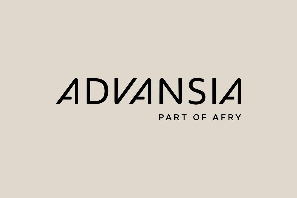 Design av logo for Advasia presentert på beige bakgrunn
